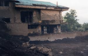 I danni creati dal disastro che ha colpito Sarno nel 1998 (protezionecivilevenezia.it)