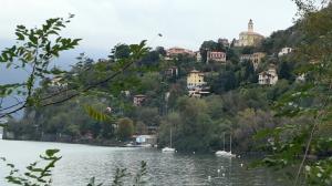 Il panorama del promontorio sul lago di Tronzano sul Lago Maggiore