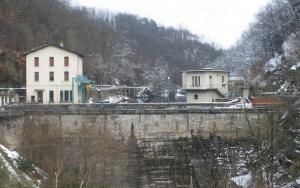 La diga di Creva, nei pressi di Luino in provincia di Varese (panoramio.com)