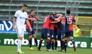 L'esultanza dei giocatori del Cagliari durante la partita contro l'Inter di questa stagione(betterlab.lottomatica.it)