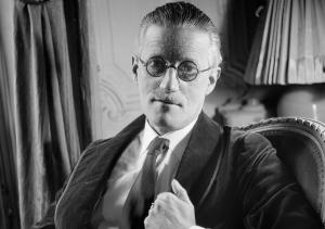 Lo scrittore irlandese, James Joyce (vol1brooklyn.com)