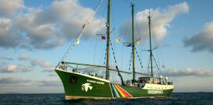 "La ""Rainbow Warrior"" di Greenpeace (safety4sea.com)"