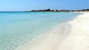 La spiaggia di Porto Cesareo, in Puglia (25aprilepuglia.it)