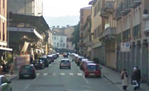 Via Vittorio Veneto a Luino (google.com)