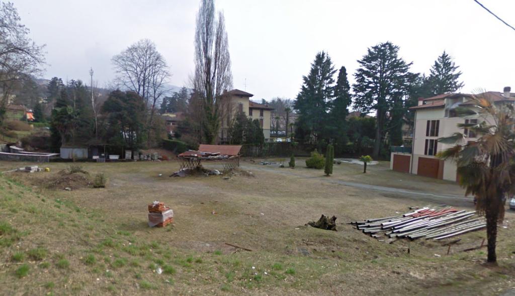Luino, parcheggio di via Goldoni presso l'ex area Diana