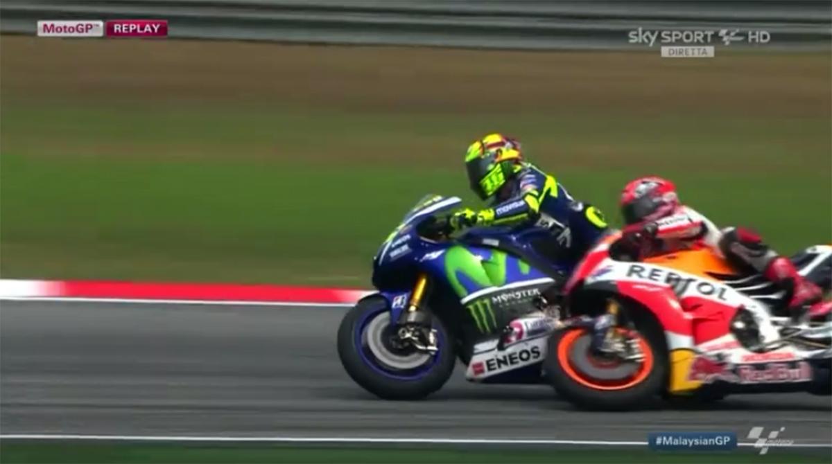 MotoGp, Sepang: vince Pedrosa, Lorenzo secondo. Terzo Rossi dopo il duello con Marquez, a terra dopo contatto