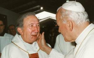 Don Giussani con Papa Giovanni Paolo II (siciliaedonna.it)