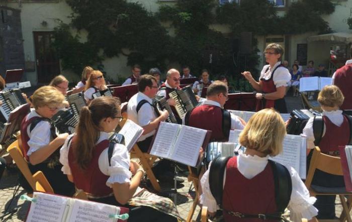 """Luino, domenica ponte Italia-Svizzera con il concerto corale dell'Orchestra """"Fiorini"""""""