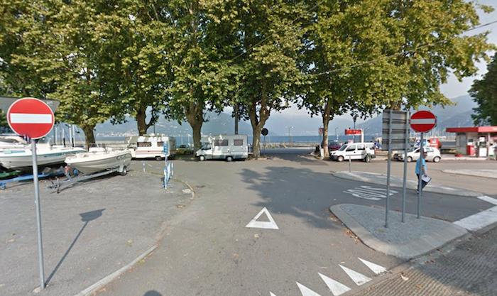 Luino, potatura delle piante in via Lido e nel parcheggio del Porto Nuovo