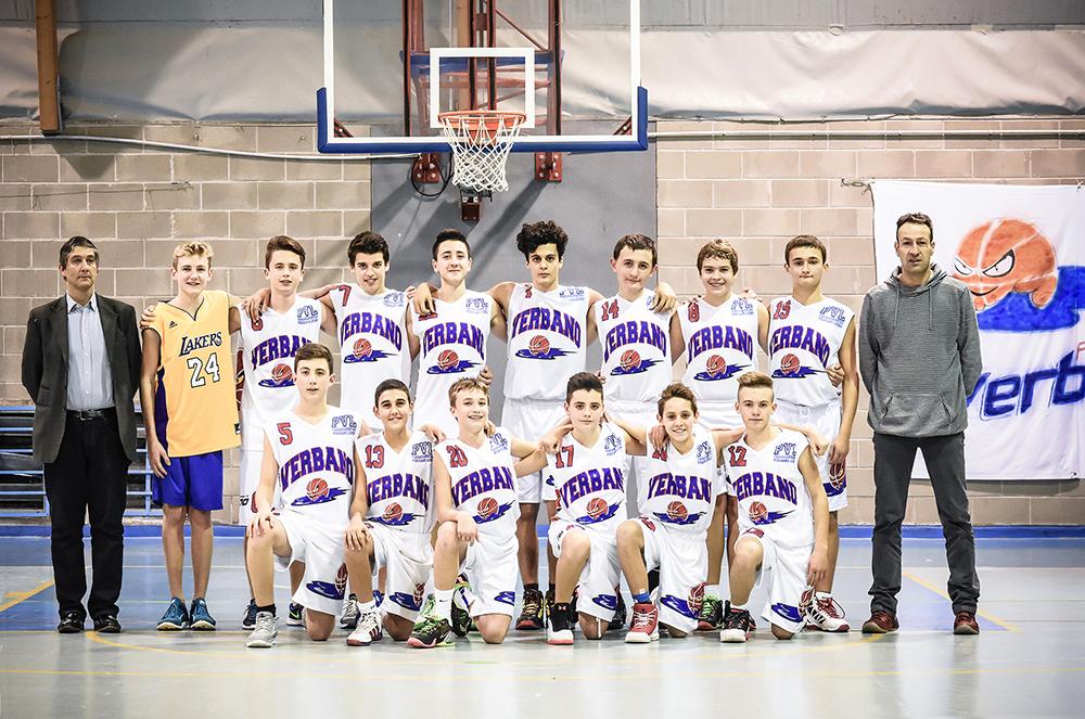 La squadra dell'Under 15 Pallacanestro Verbano Luino