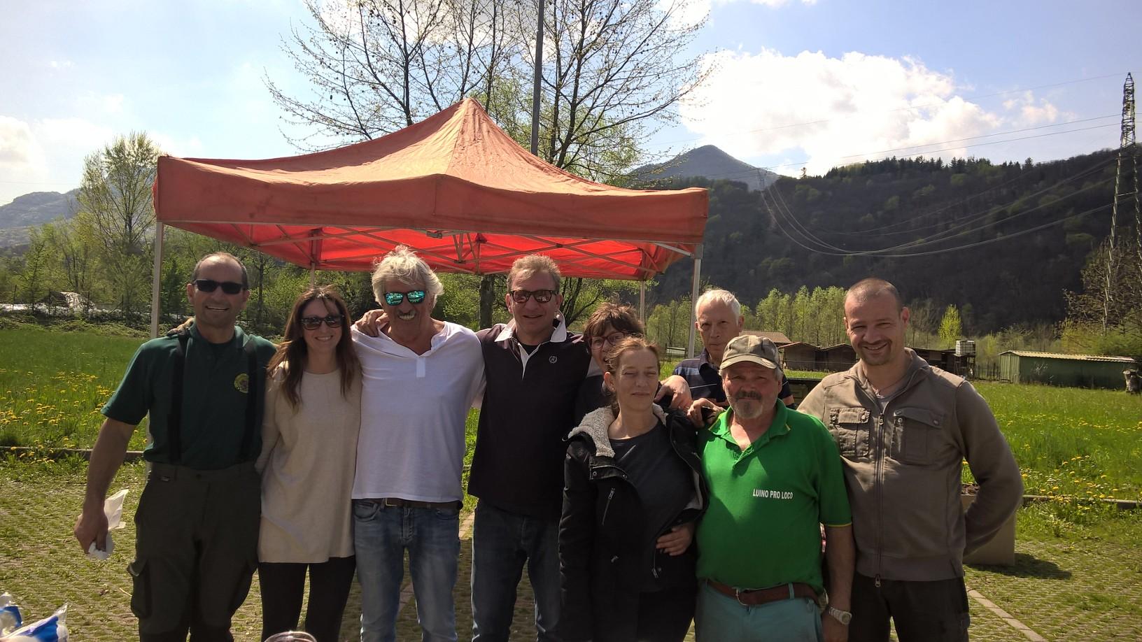 """Luino, le foto della """"Giornata del Verde Pulito"""". Il sindaco: """"Esperienza molto educativa per i partecipanti"""""""