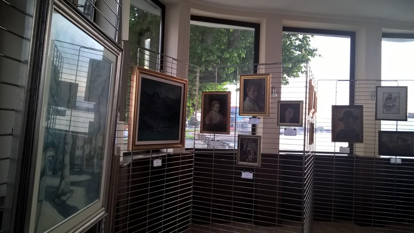 """All'Imbarcadero inaugurata la mostra """"Luino: Paesaggi e ritratti di una Terra d'Artisti"""""""