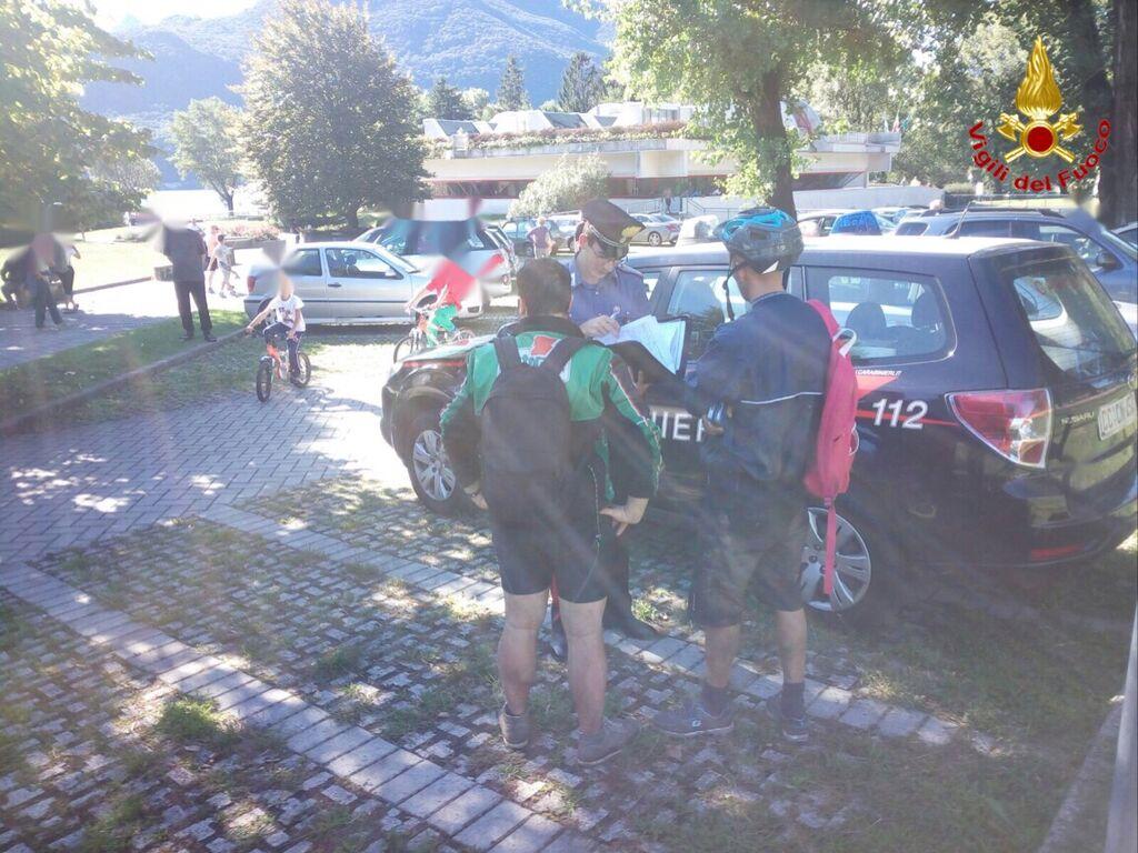 Due escursionisti in bici si perdono nei boschi di Maccagno: tratti in salvo a Garabiolo dall'elicottero