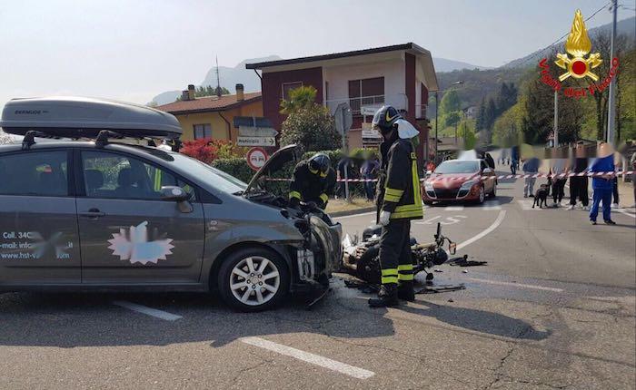 Brissago, scontro auto-moto: una persona grave, interviene l'elisoccorso