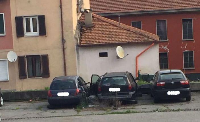 """Germignaga, """"Situazione insostenibile nel piazzale di via Fabio Filzi"""". Il sindaco: """"A breve soluzione con proprietà"""""""