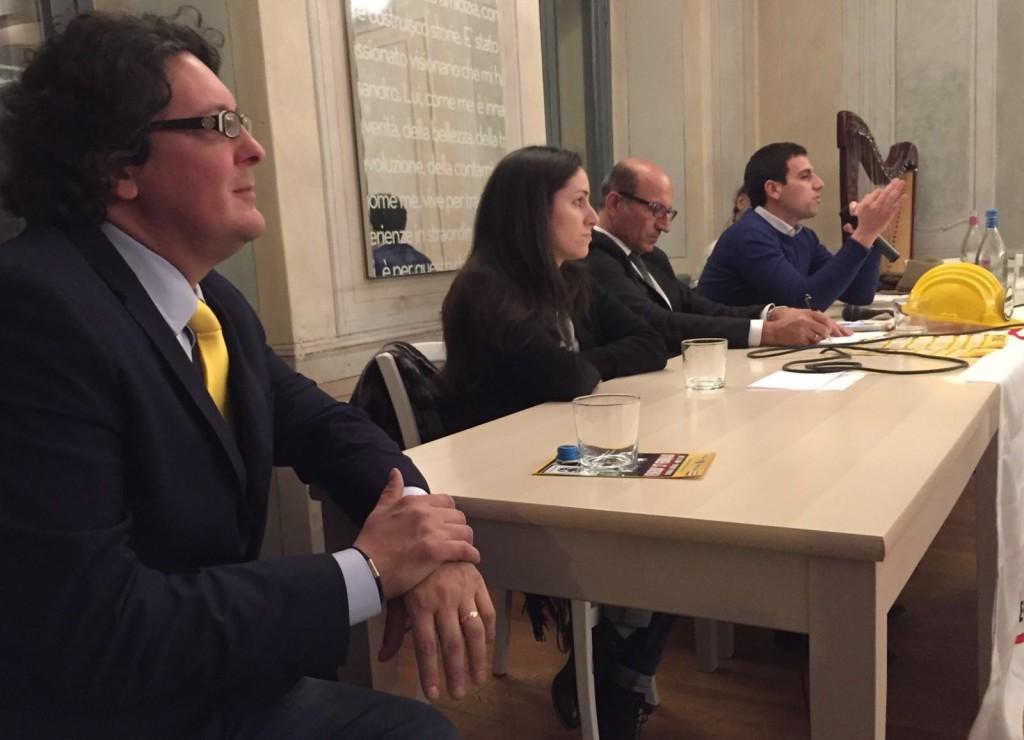 Gianfranco Cipriano, attivista del Movimento 5 Stelle, in un incontro organizzato a Luino