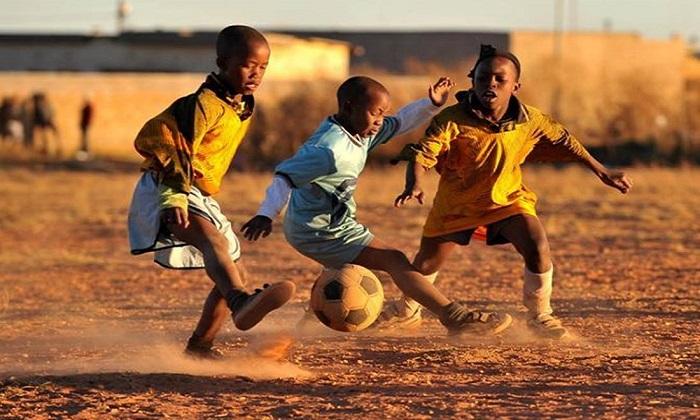 Raccolta fondi in favore dei bambini africani: Wishraiser mette in palio una cena con Eto'o