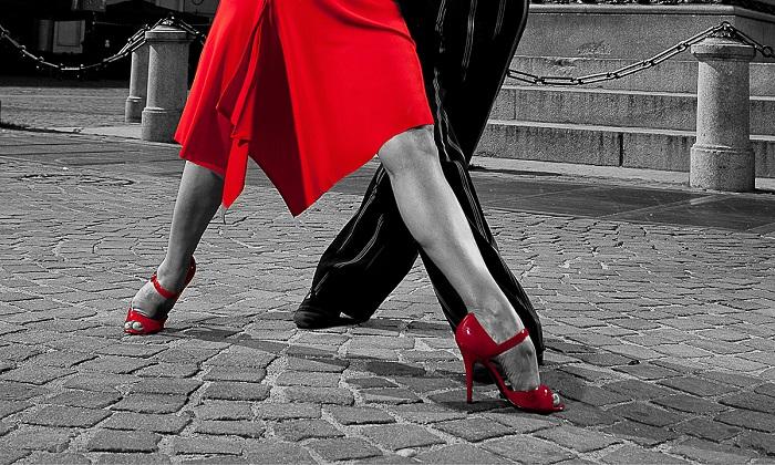 Ossitocina, il segreto del successo: quando ballare insieme è questione di ormoni