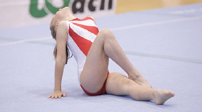 Abusi sessuali, scandalo nella ginnastica USA: centinaia i bambini violentati