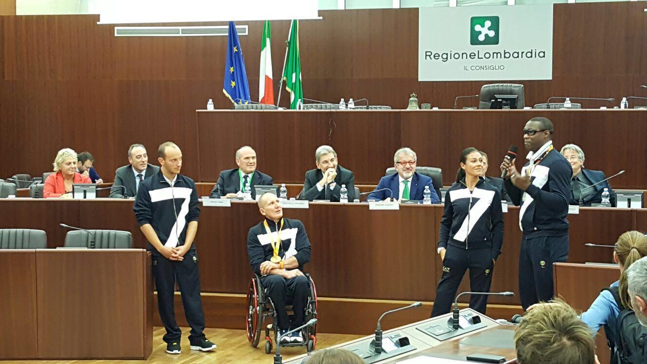 Rio 2016, in Consiglio regionale gli atleti olimpici e paralimpici lombardi. Morlacchi accolto da Maroni e Cattaneo