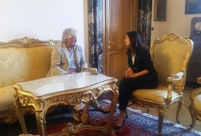 Nella foto postata sul profilo twitter di Virginia Raggi, Beppe Grillo e la sindaca Raggi (ANSA)
