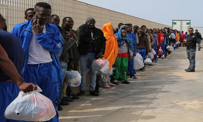 Violenze sui migranti: Amnesty International denuncia il comportamento dell'Italia