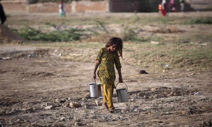 """Acqua potabile, emergenza in zone di crisi. Oxfam: """"Una corsa contro il tempo per la sopravvivenza"""""""