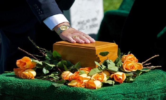 """Vaticano: """"La cremazione non tocca l'anima, ma nessuna dispersione delle ceneri"""""""