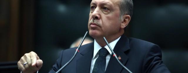 """Erdogan minaccia Ue: """"Nessun cittadino camminerà al sicuro"""". La Turchia chiede rispetto"""
