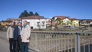 Il vicesindaco di Luino, Alessandro Casali, il consigliere comunale Davide Cataldo e l'assessore al Territorio, Alessandra Miglio
