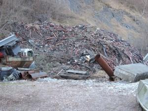 Una foto del deposito di rifiuti di Laveno Mombello
