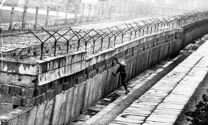 """Muri """"anti-immigrati"""", dove vengono innalzate le barriere nel mondo"""