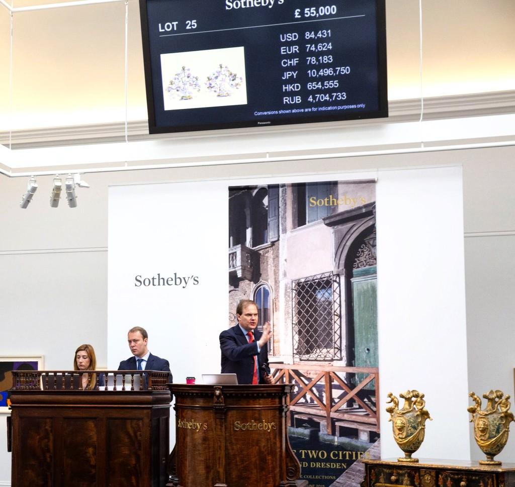 """""""Luinesi all'estero"""": Giorgia Parodi tra passione, arte e mercato lavora per la casa d'aste """"Sotheby's"""""""