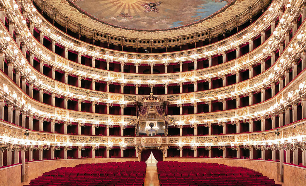 """Da Lavena Ponte Tresa al """"Teatro San Carlo"""" di Napoli: il talento del baritono Daniele Piscopo"""