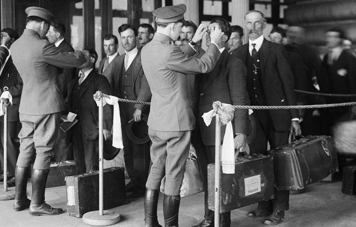 Fu Ellis Island,125 anni fa, passaggio obbligato per il futuro di donne, uomini e bambini italiani