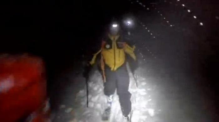 Freddo, buio e neve: l'eroico gesto dei soccorritori che sono arrivati all'hotel Rigopiano