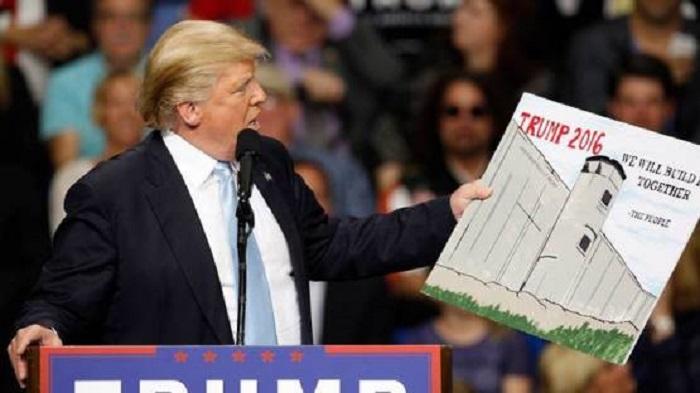 """Trump: """"Gran giorno per la sicurezza Usa: oggi inizieremo la costruzione del muro con il Messico"""""""