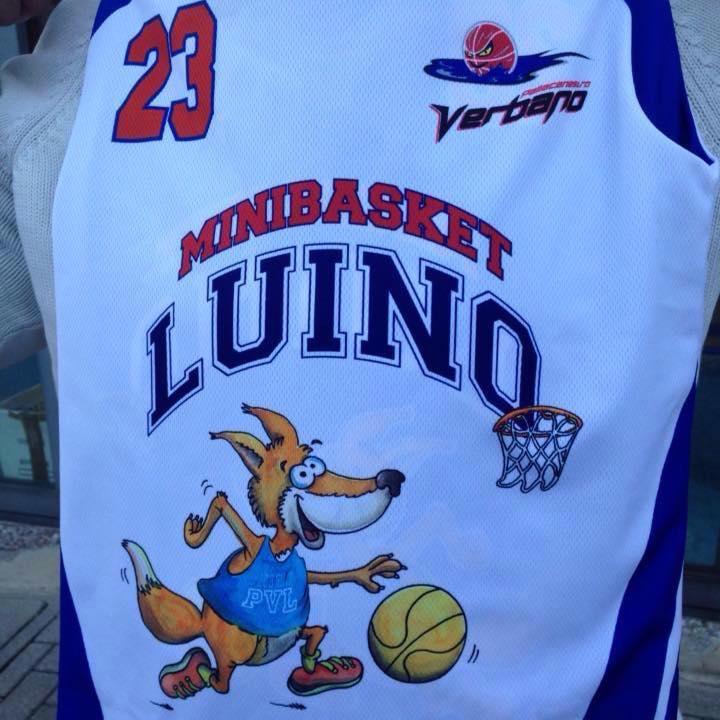 La nuova maglia del MiniBasket Luino