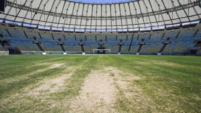 (Brasile, il tempio del calcio cade a pezzi: ecco com'è ridotto il Maracanà