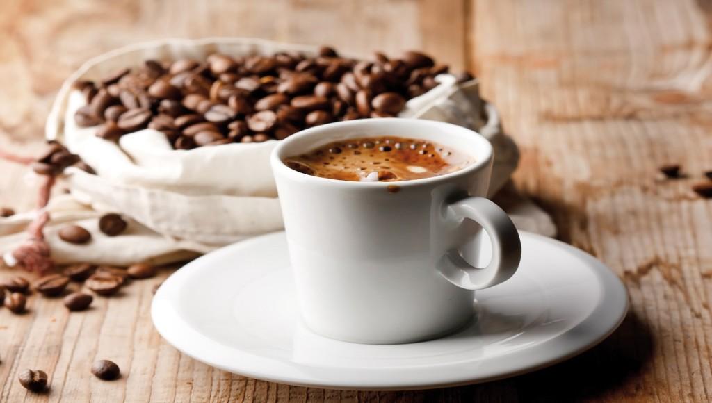 Caffè, per 8 italiani su 10 è meglio delle coccole del partner