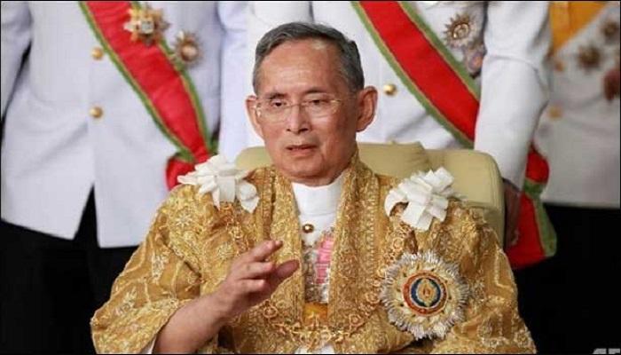 Thailandia, un anno di lutto per la morte del re chiamato 'papà'