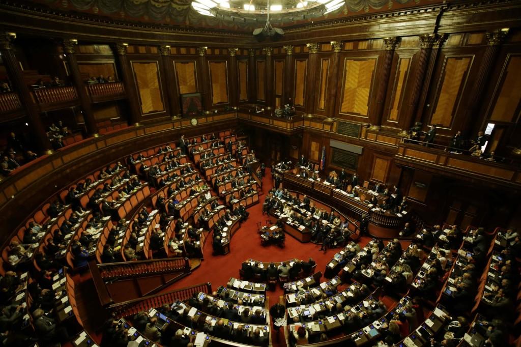 Luino alptransit sui banchi del parlamento auspico for Parlamento senato