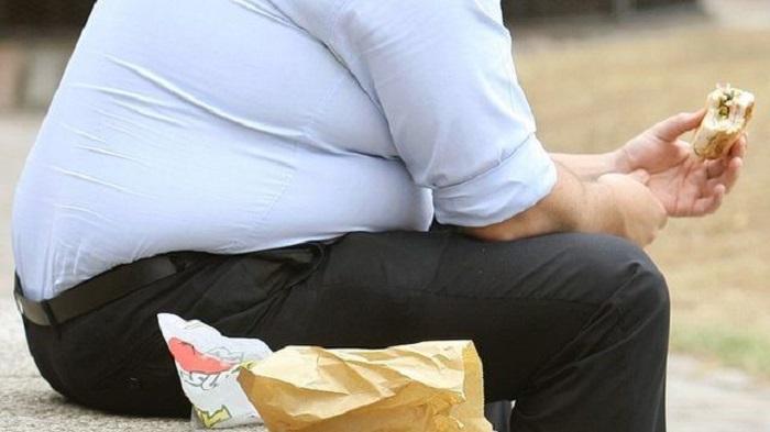 Cibo, ci nutre o ci consuma? Il decalogo per non essere mangiati dagli alimenti e dalle loro contraddizioni