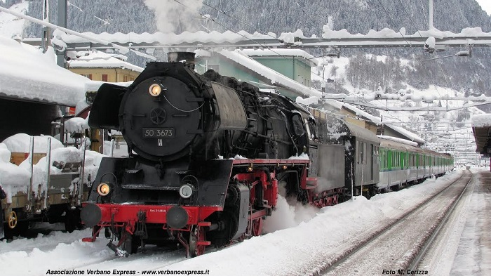 """Luino, domenica parte il """"Treno d'epoca di Babbo Natale"""""""