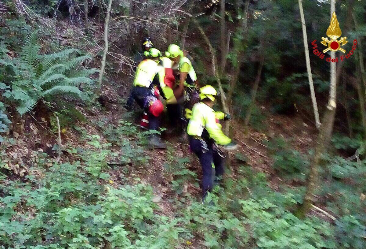 Luino: 71enne finisce in una scarpata dopo una caduta in bici. Interviene l'elisoccorso