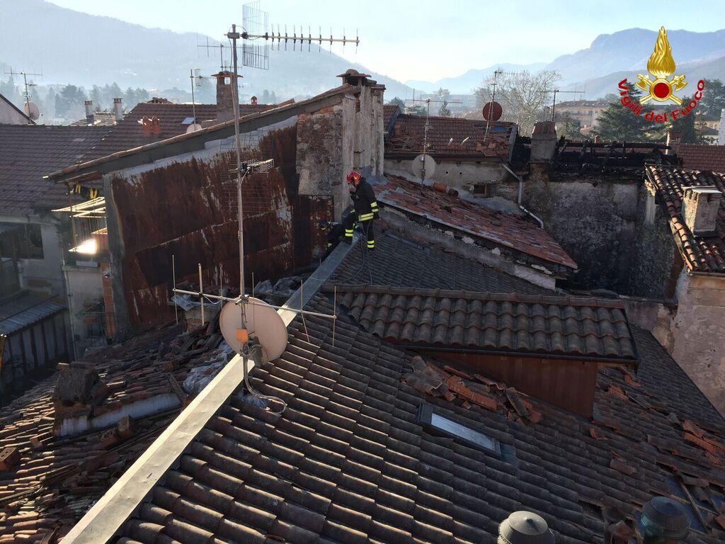 """Centro storico di Luino, """"The day after"""": la testimonianza dei Vigili del Fuoco e le foto di questa mattina"""