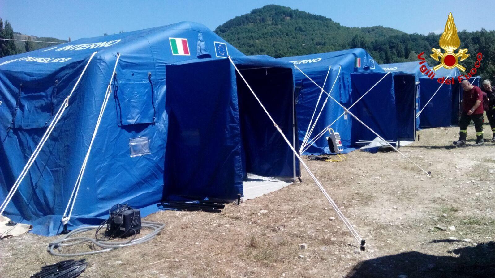 Terremoto: i Vigili del Fuoco di Varese al lavoro ad Amatrice, ecco le foto
