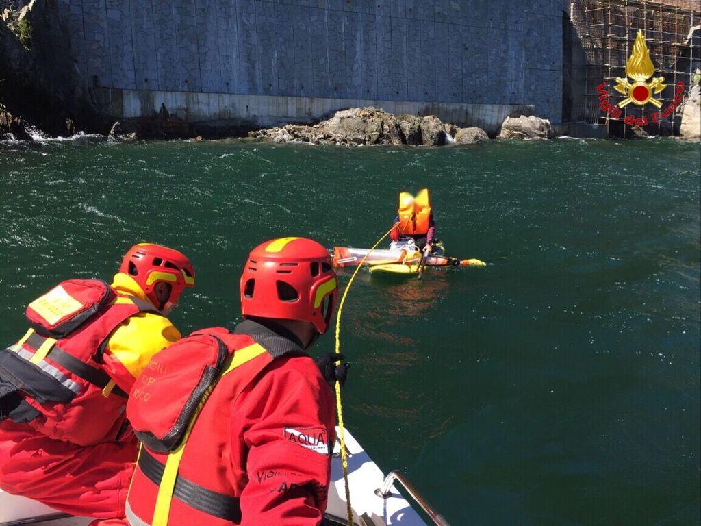 Tra velisti e windsurfisti anche oggi diversi interventi dei VdF sul lago Maggiore