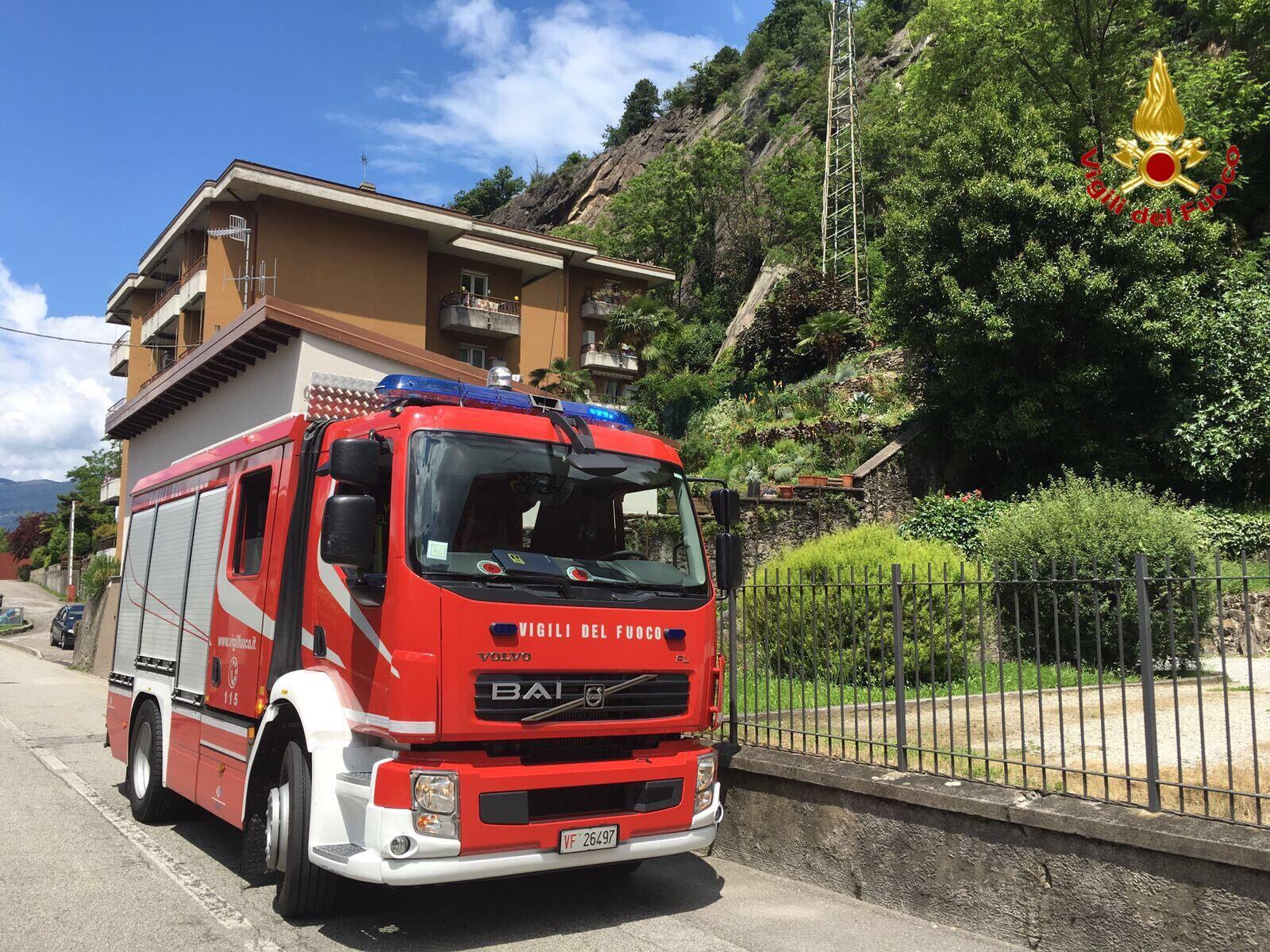 Luino: frana in via Creva, evacuata un'abitazione