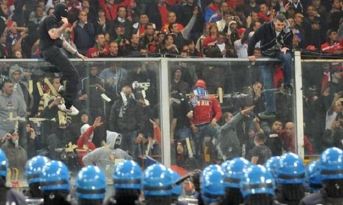 """Violenza negli stadi, diminuiscono gli incidenti. Alfano: """"Non solo numeri, ma feriti e morti in meno"""""""